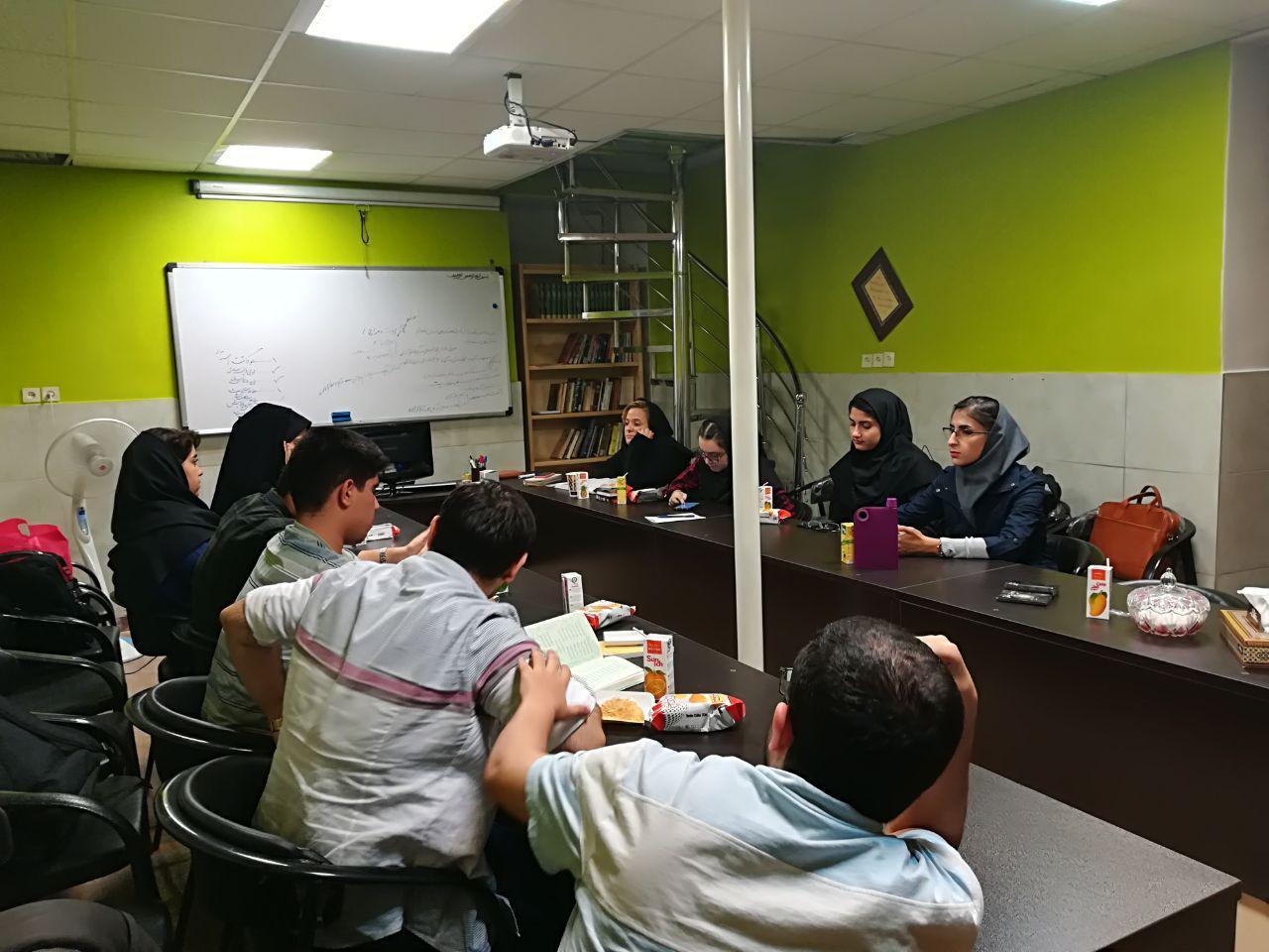 برگزاری دومین حلقه ادبی حافظ خوانی