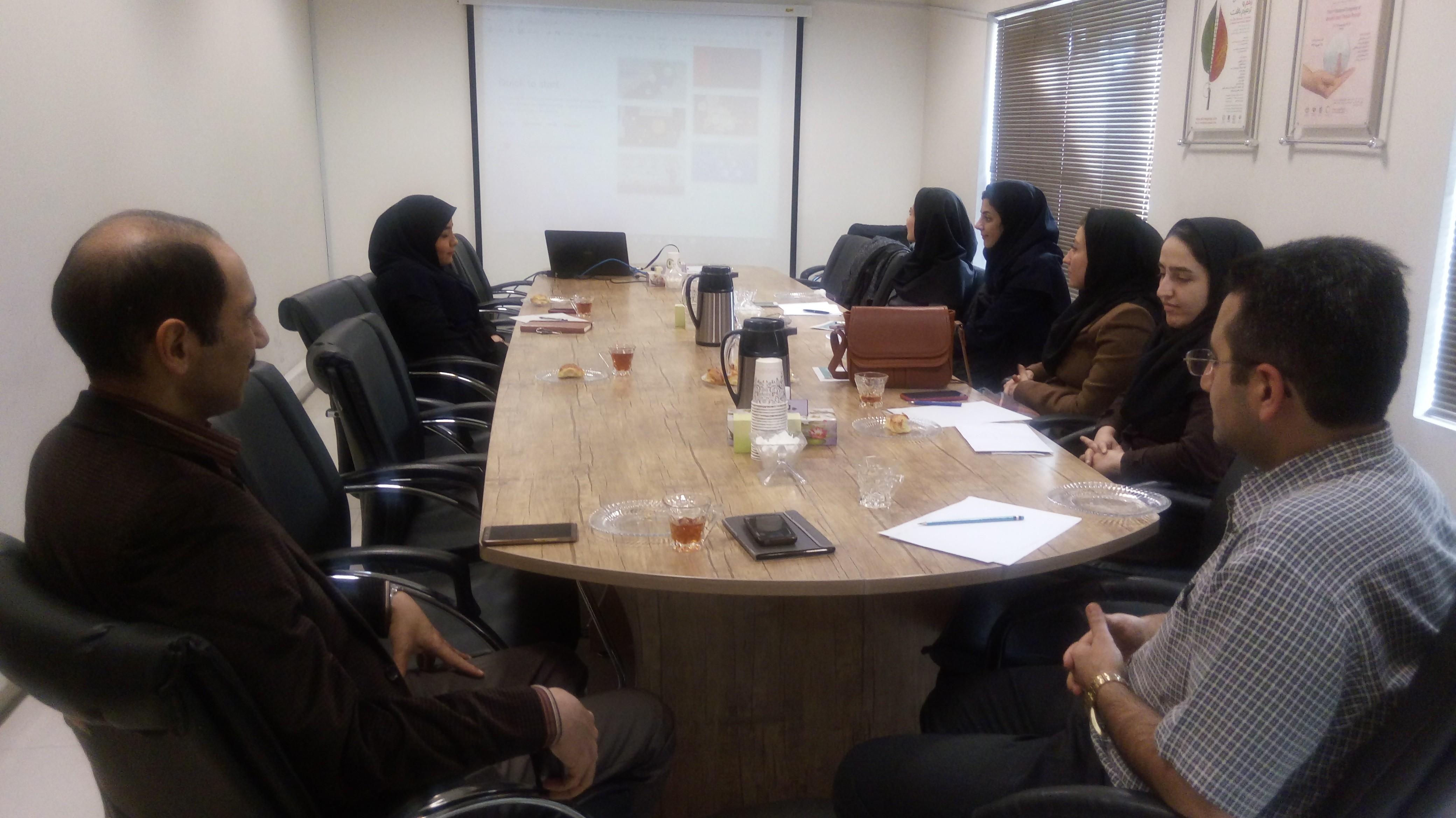 برگزاری کارگاه PREZI توسط گروه پژوهشی سبک زندگی و مدیریت سلامت در منزل