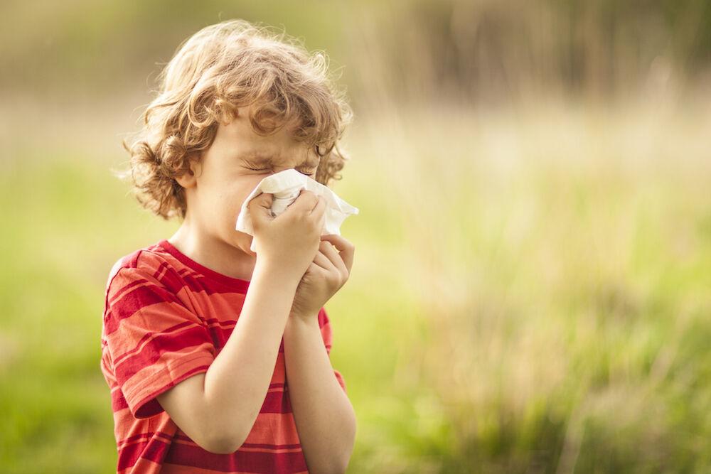 علائم آسم در بهار شدیدتر میشود