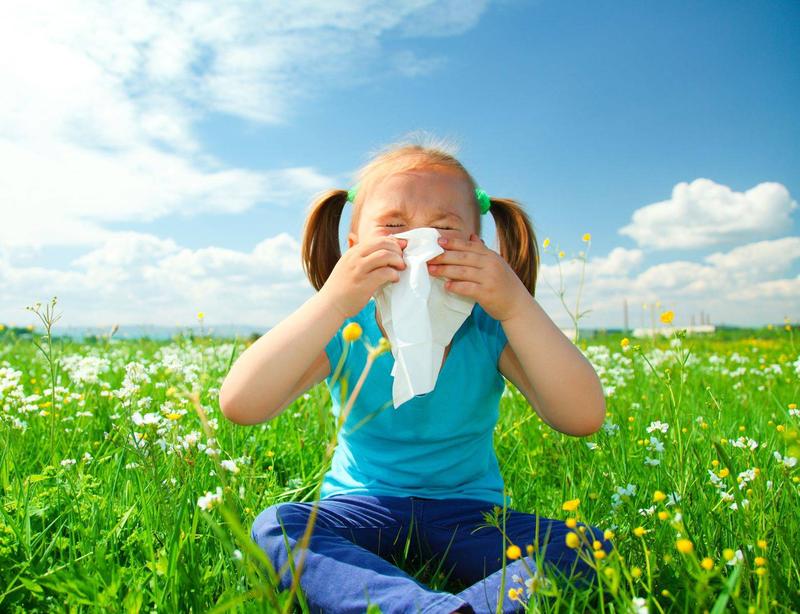 با کودکان مبتلا به آلرژیبهاری چگونه رفتار کنیم؟