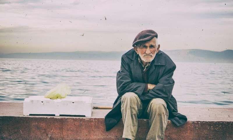 مردان سالمند کمتر از سایرین نگران کرونا هستند