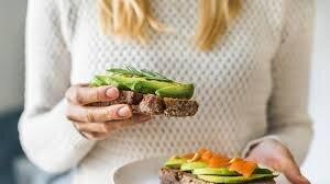 مواد غذایی که زنان باید در زمان رژیم دریافت کنند