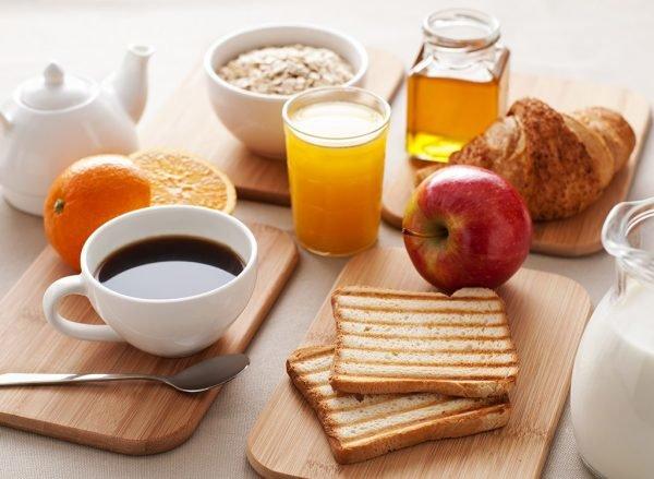 چه مواد خوراکی باید در وعده غذایی صبح باشند؟