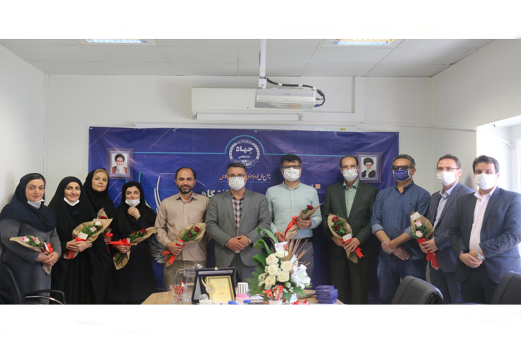 تقدیر رئیس جهاد دانشگاهی علوم پزشکی تهران از زحمات همکاران به مناسبت سالگرد تاسیس جهاد دانشگاهی