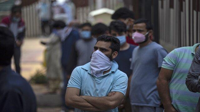 متخصصان هندی: حتی با در دسترس قرار گرفتن واکسن کرونا استفاده از ماسک ضروری است